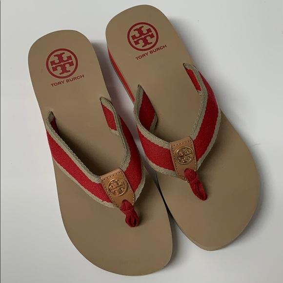 63cce54b7c5596 Tory Burch red flip flops sandals size 8. M 💖. M 5c510c0f12cd4ab35e85d784